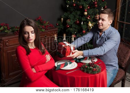 Man confesses his love for dissatisfied woman