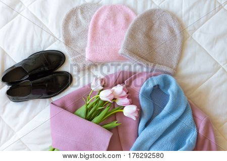 Manually Knitted Hats, Black Patent Leather Shoes, Pink Cashmere Coat, Blue Woollen Scarf And Fresh
