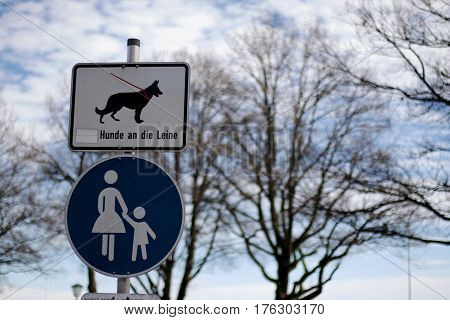 signs, GSD, walk with leash, leash required,