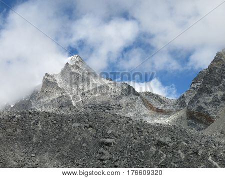 Cho La pass popular mountain pass in the Everest National Park.