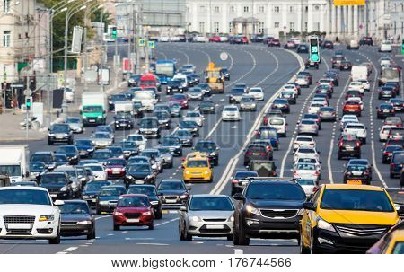 Rows of cars on a congestion street