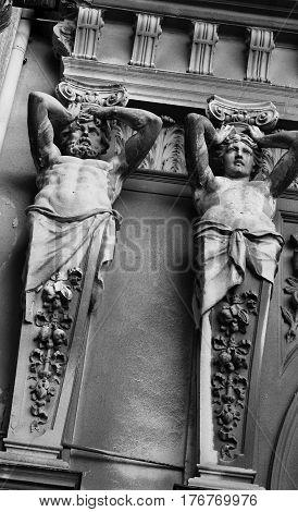 Old Two Statues Pillar Black White