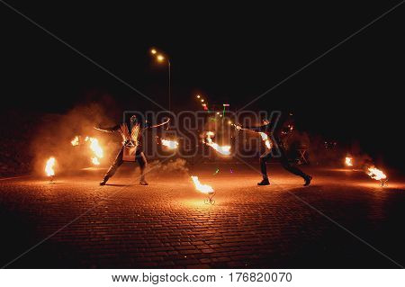 Fire show make two man on the street