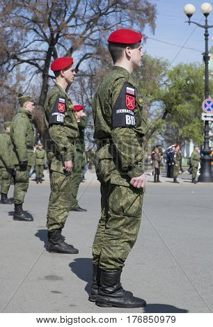 SAINT PETERSBURG, RUSSIA - MAY 05, 2015: Military police in a cordon of Palace square on the rehearsal of parade in honor of Victory Day. Saint Petersburg