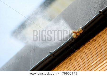 Spray nozzle applied to reduce heat in the home.