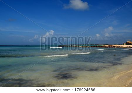 A protected cove in Aruba known as Baby Beach.