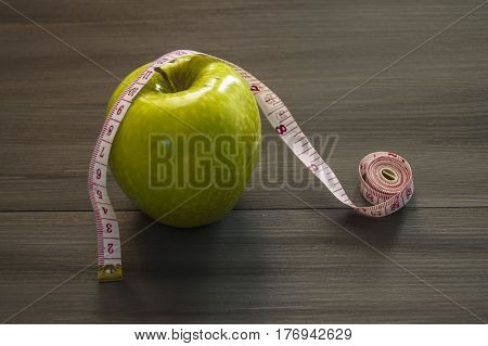 Weight loss, green apple and slimming, weight loss with apple, benefits of green apple, weight loss, healthy life.