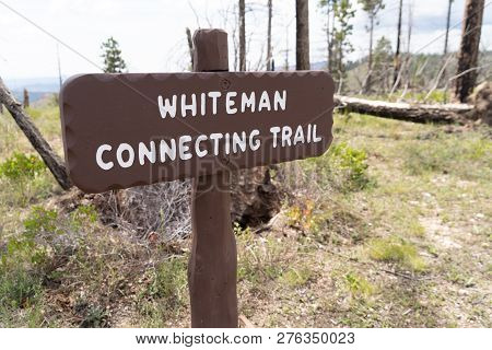 Whiteman Connecting Trail Sign For The Trailhead In Bryce Canyon National Park