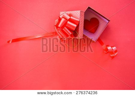 Open Gift Box And Red Heart In Box Surprise Red Present Box With Ribbon Bow For Gift To Merry Christ