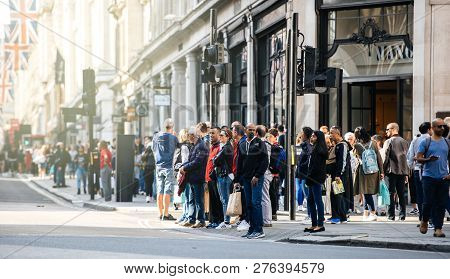 London, United Kingdom - May 18, 2018: Pedestrians Waiting To Cross The Regent Street In London - Lo