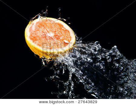Water Splash On Grapefruit