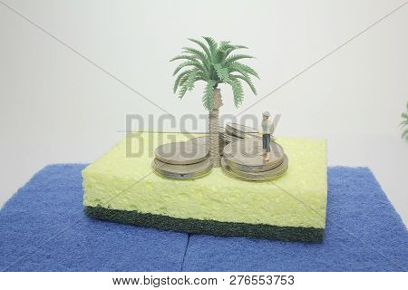 Mini Business Figure Stand On The Coins