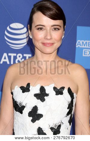 PALM SPRINGS - JAN 17:  Linda Cardellini at the 30th Palm Springs International Film Festival Awards Gala at the Palm Springs Convention Center on January 17, 2019 in Palm Springs, CA