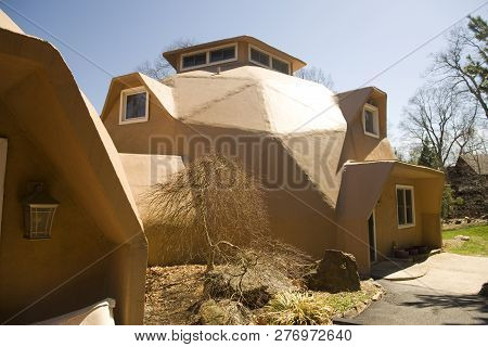 Geodesic Dome House Home In Modern Architecture Style