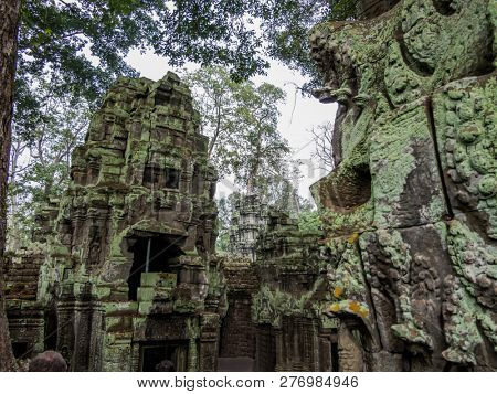 angkor thom, cambodia - 11 28, 2018: former buddhist monastery ta prohm temple. (also known as rajavihara). parts of the movie