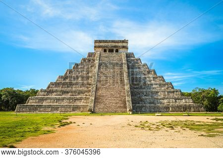 El Castillo, Temple Of Kukulcan, Chichen Itza, Mexico