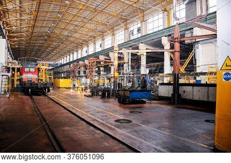 Russia, Khabarovsk, October 22, 2013: Locomotive Depot Of Khabarovsk, Repair Shop, Locomotives Repai