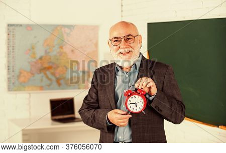 Retro Clock. Time Management. Begin Of The Lesson. Exam Starts Right Now. Break Alarm. Good Early Mo