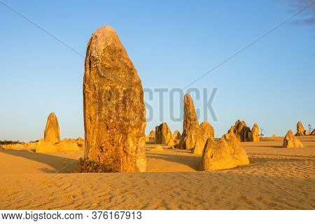 An image of the beautiful Pinnacles Desert in western Australia