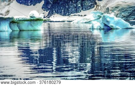 Blue Glacier Snow Mountains Reflection Paradise Bay Skintorp Cove Antarctica