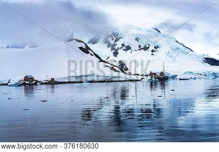 Snowing Argentine Station Blue Glacier Mountain Paradise Harbor Antarctica