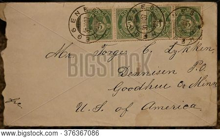 Norway - Circa 1907. An Envelope With Four Stamps Of 5 Ore Each. The Recipient Is In Dennison, Mn.