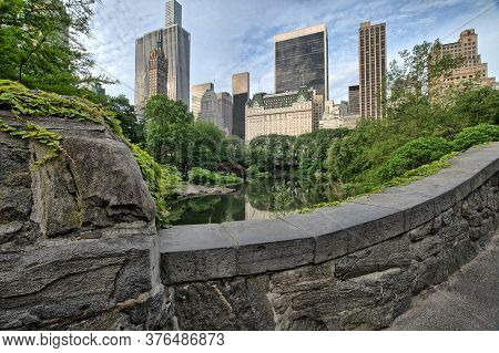 Gapstow Bridge In Central Park  Early Morning In Summer