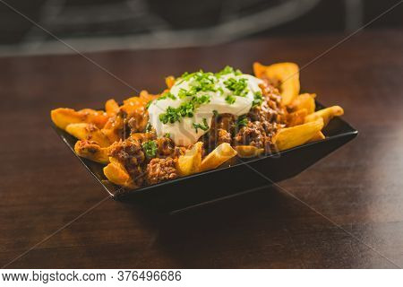 Rustic Fries With Bolognese Sauce And Mayonnaise