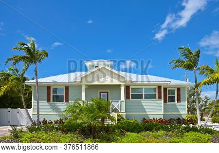 A Beautiful Florida House Near The Beach For Rent Or Sale. Make A Great Rental Property