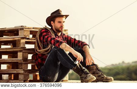 Being A Texan. Vintage Style Man. Wild West Retro Cowboy. Cowboy With Lasso Rope. Western. Wild West