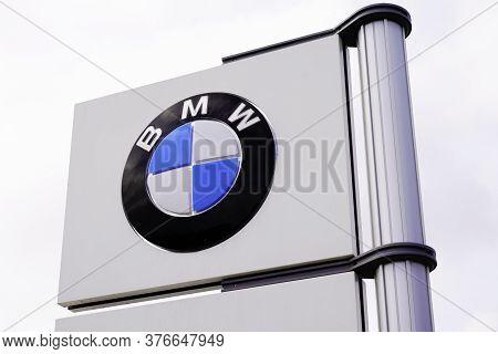 Bordeaux , Aquitaine / France - 07 07 2020 : Bmw Logo Sign Of Dealership Car Shop German Luxury Auto