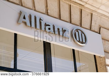 Bordeaux , Aquitaine / France - 07 07 2020 : Allianz Sign Text Logo On Office Of Financial Services