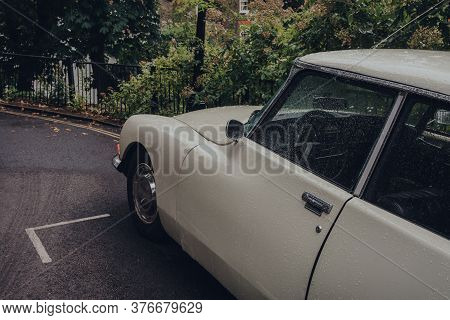 London, Uk - July 02, 2020: Close Up Of Retro Car Parked On A Hampstead Street In The Rain, Selectiv