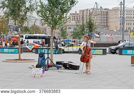 Moscow, Russia - September 04, 2019: Young Woman Playing The Cello At A Street Concert In Moscow