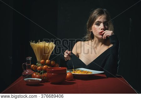 Gorgeous Young Brunette Woman Having Italian Food. Seductive Cheeky Girl With Plate Of Pasta Eats Pa
