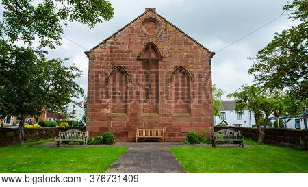 Parkgate, Wirral, Uk: Jun 17, 2020: St. Thomas' Church, Is A Church Of Ease In The Parish Of Neston.