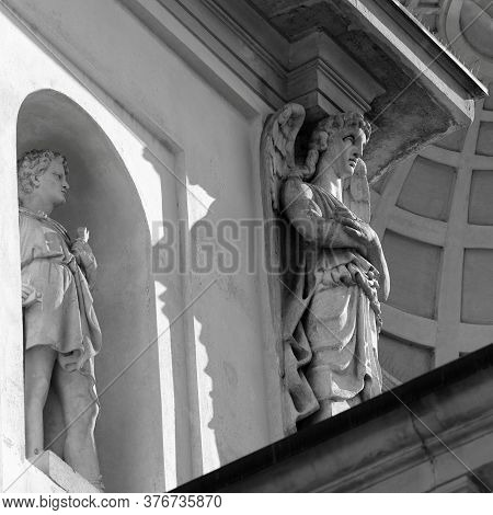 Gorgonzola, Milan,  Lombardy, Italy: Statues On Facade Of The Saints Gervaso And Protaso Church. Bla