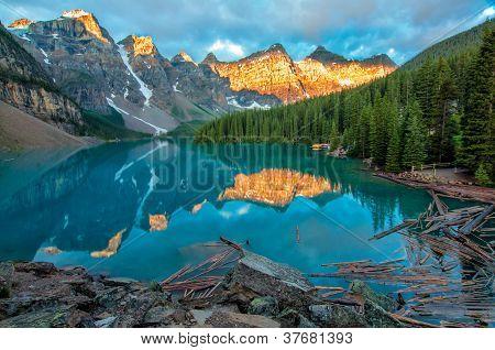 Moraine Lake Yellow Mountain Landscape