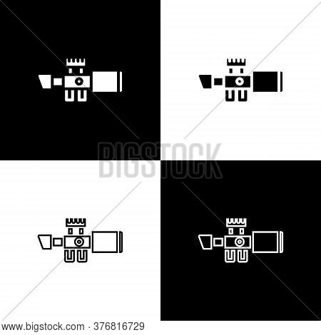 Set Sniper Optical Sight Icon Isolated On Black And White Background. Sniper Scope Crosshairs. Vecto