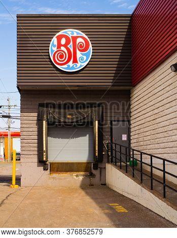 Truro, Canada - March 19, 2020: Boston Pizza Loading Dock. Boston Pizza Is A Canadian Restaurant Cha
