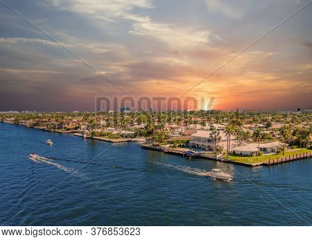 Boats Along The Intracoastal Waterway In Fort Lauderdale, Florida