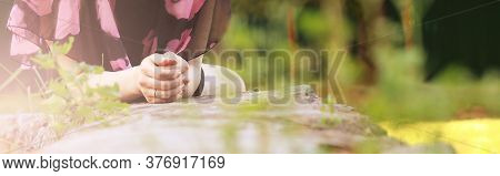 Women's Hands Are Very Close And Summer, A Woman Is Resting, Nature