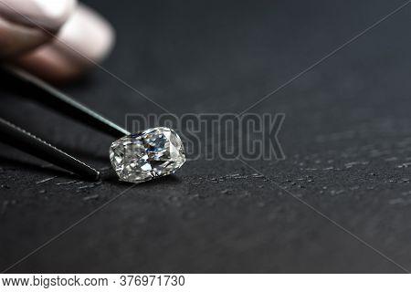 Crushed Ice Cut Diamond And Jewelry Tweezers