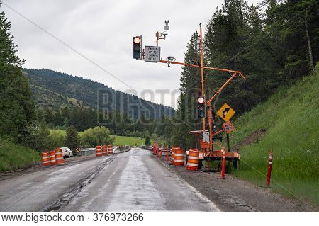 Hoback, Wyoming - June 25, 2020: One Way Traffic Signal Due To Construction On Highway 89 In Wyoming