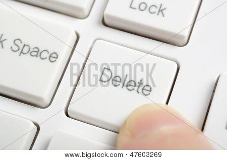 Pressing delete key on keyboard