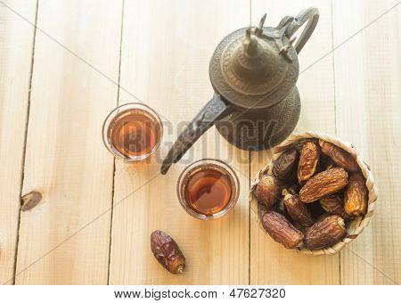Arabic sulemani tea with dates