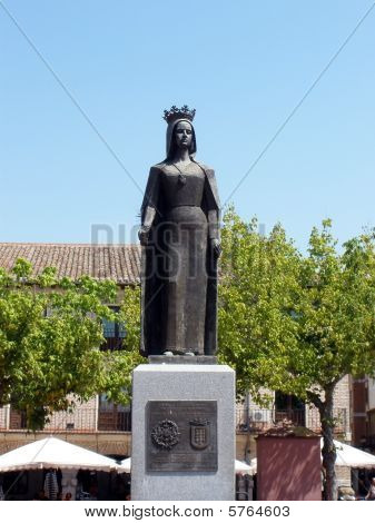 This monument is the  Isabel la Catolica queen statue in valladolid