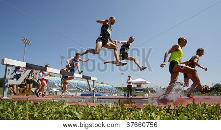 Steeplechase Track Men Water Jump