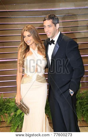 LOS ANGELES - MAR 2:  Sofia Vergara, Nick Loeb at the 2014 Vanity Fair Oscar Party at the Sunset Boulevard on March 2, 2014 in West Hollywood, CA