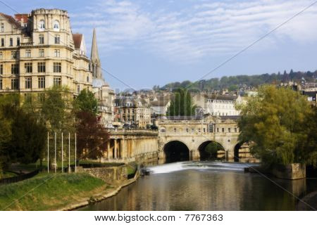 View Of The Pulteney Bridge River Avon In Bath, England